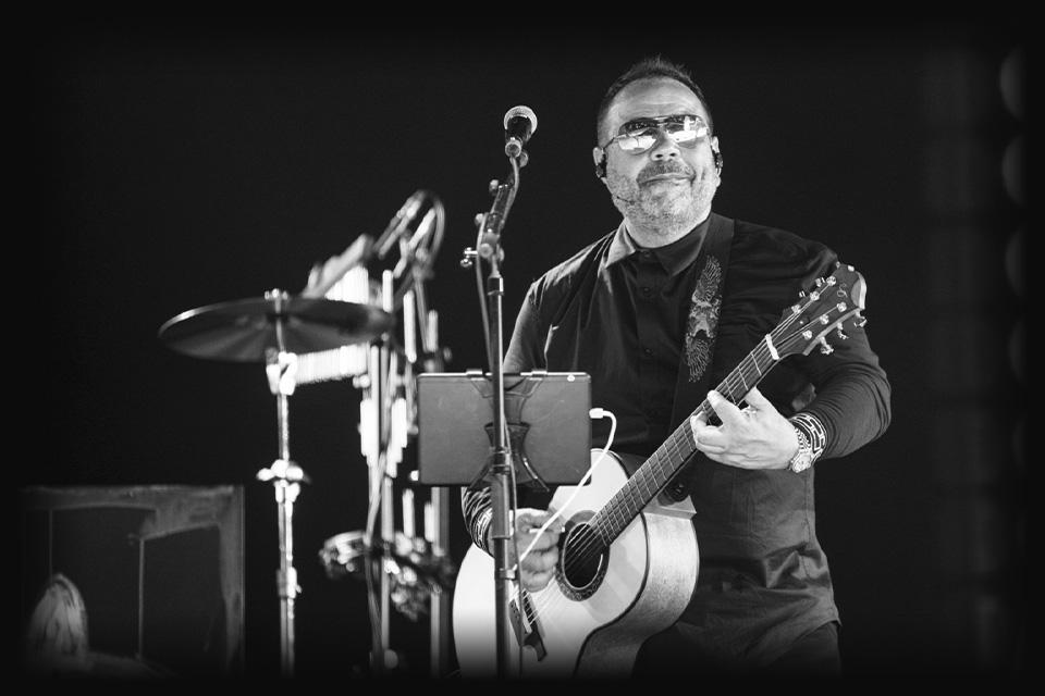 concert-michael-ciro-luis-guerrero-spanish-acoustic-guitar