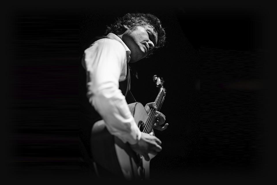 el-twanguero-luis-guerrero-spanish-acoustic-guitar
