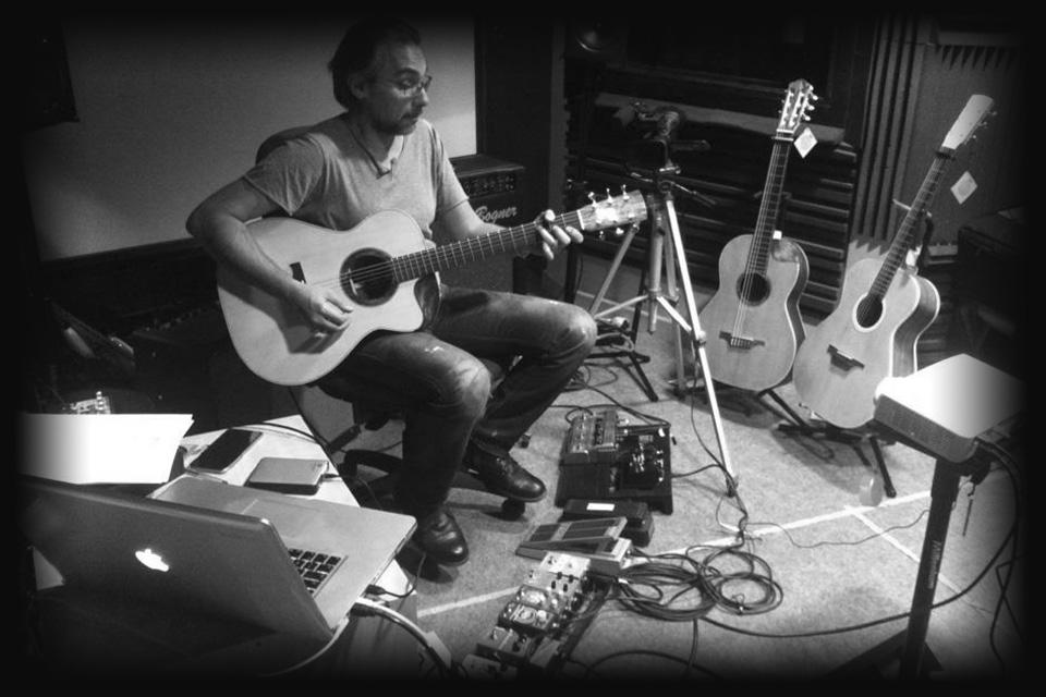 luis-guerrero-spanish-acoustic-guitar-lovers-ludovico-vagnone