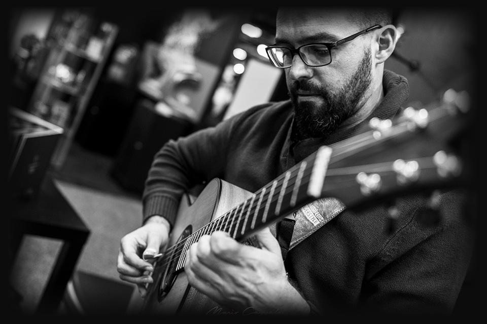luis-tanausu-luis-guerrero-spanish-acoustic-guitars